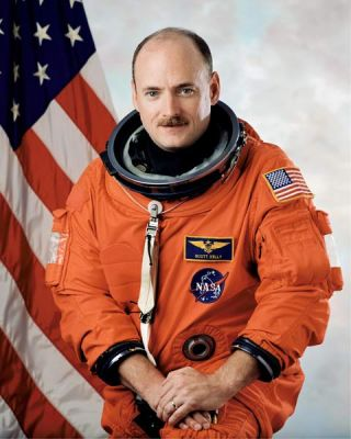 Astronaut Biography: Scott J. Kelly