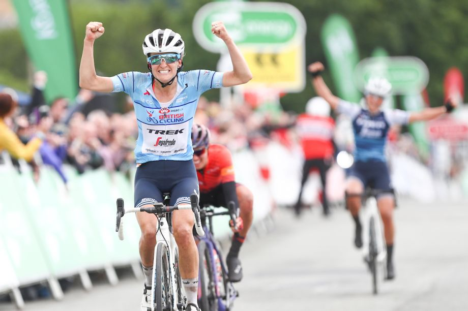 Lizzie Deignan takes Women's Tour GC lead after stage five ...