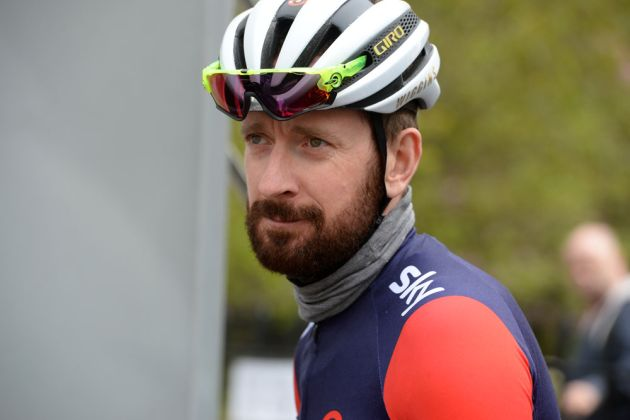 d1ff35210 Bradley Wiggins tells cyclists to  help themselves  by wearing a helmet