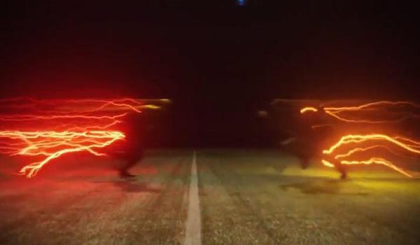 3. Flash Vs. Reverse-Flash (The Man In The Yellow Suit)