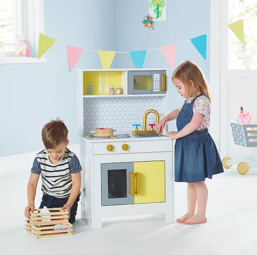 This Asda wooden kitchen is Insta-worthy (shame it's just for kids)