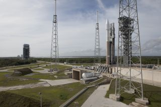 Cygnus Spacecraft Atop Atlas V Rocket