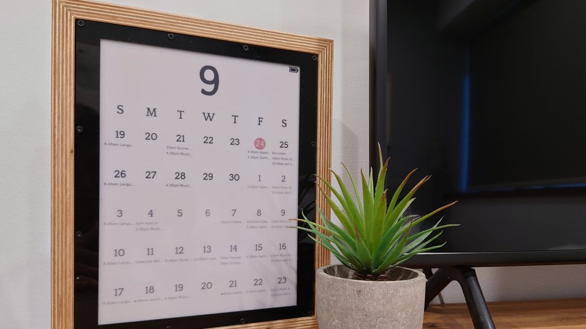 Raspberry Pi E-Ink Calendar Syncs with Google Calendar