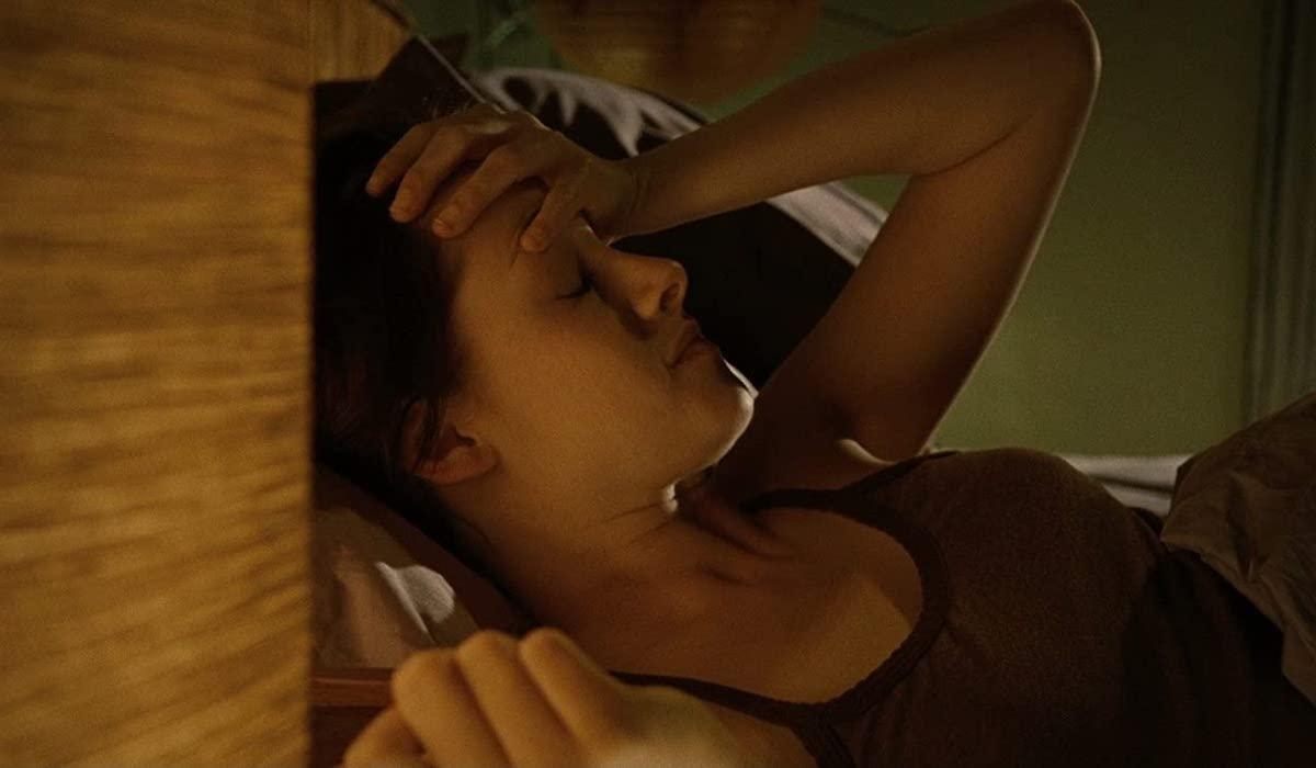 Kristen Stewart as Bella in her room in Twilight`