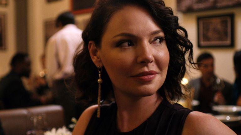KATHERINE HEIGL in FIREFLY LANE (2021)
