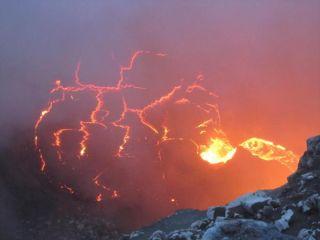 kilauea-lava-lake-110520