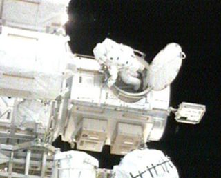 NASA Shortens Spacewalk For Shuttle's Earth Return