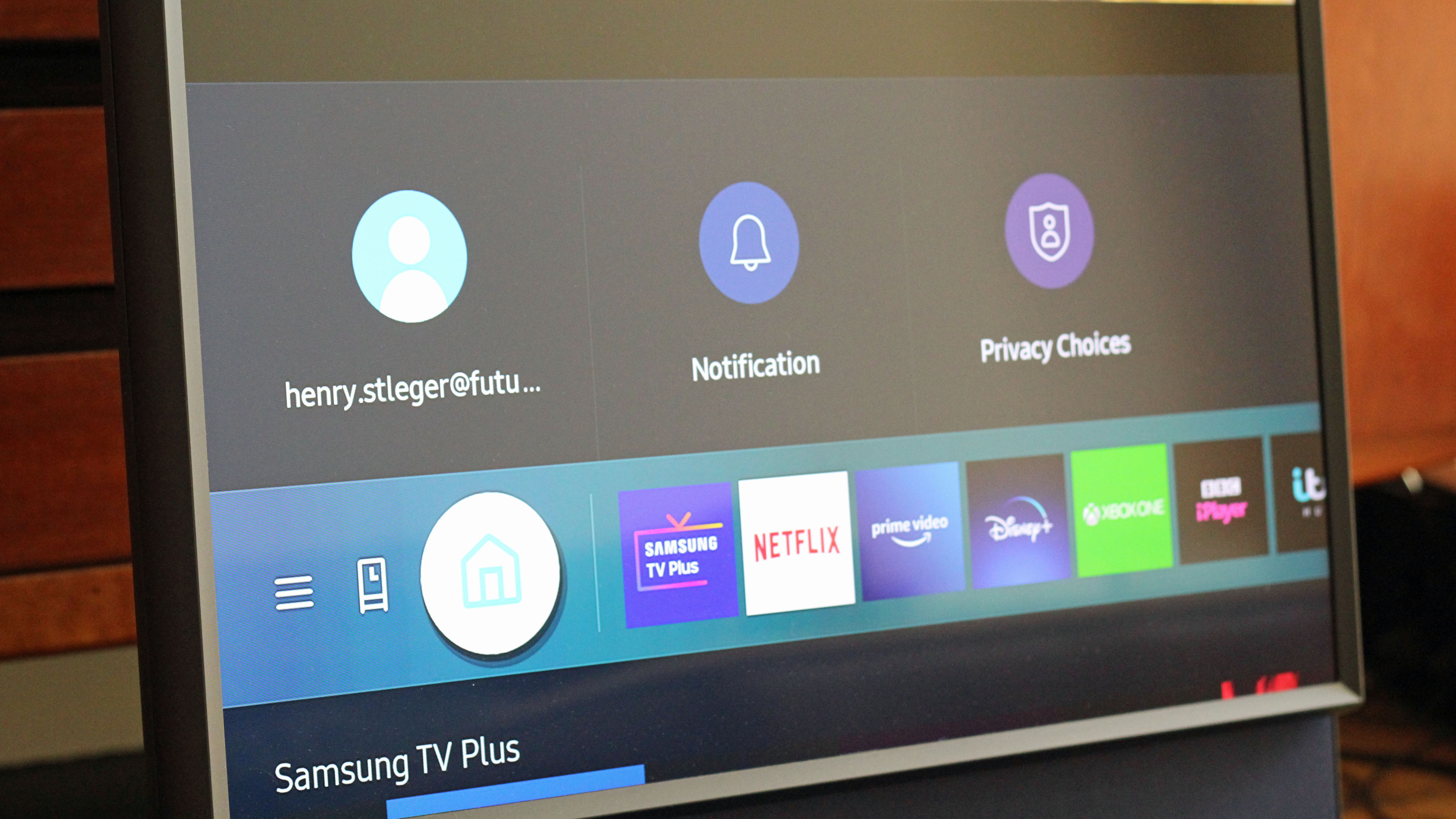 A look at Tizen OS on the Samsung Sero TV