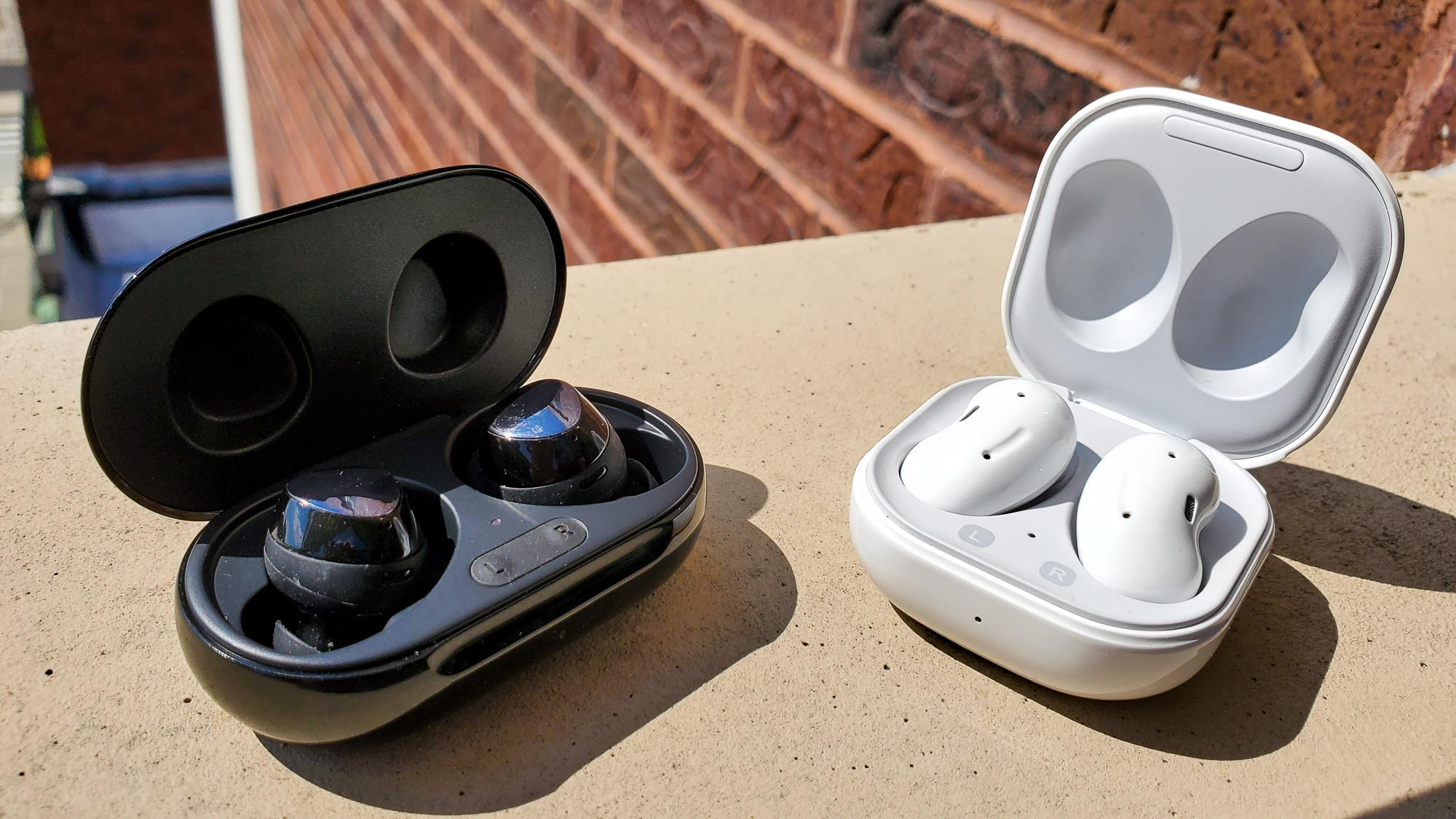 Samsung Galaxy Buds Live Vs Galaxy Buds Plus Which Earbuds Are Best Tom S Guide