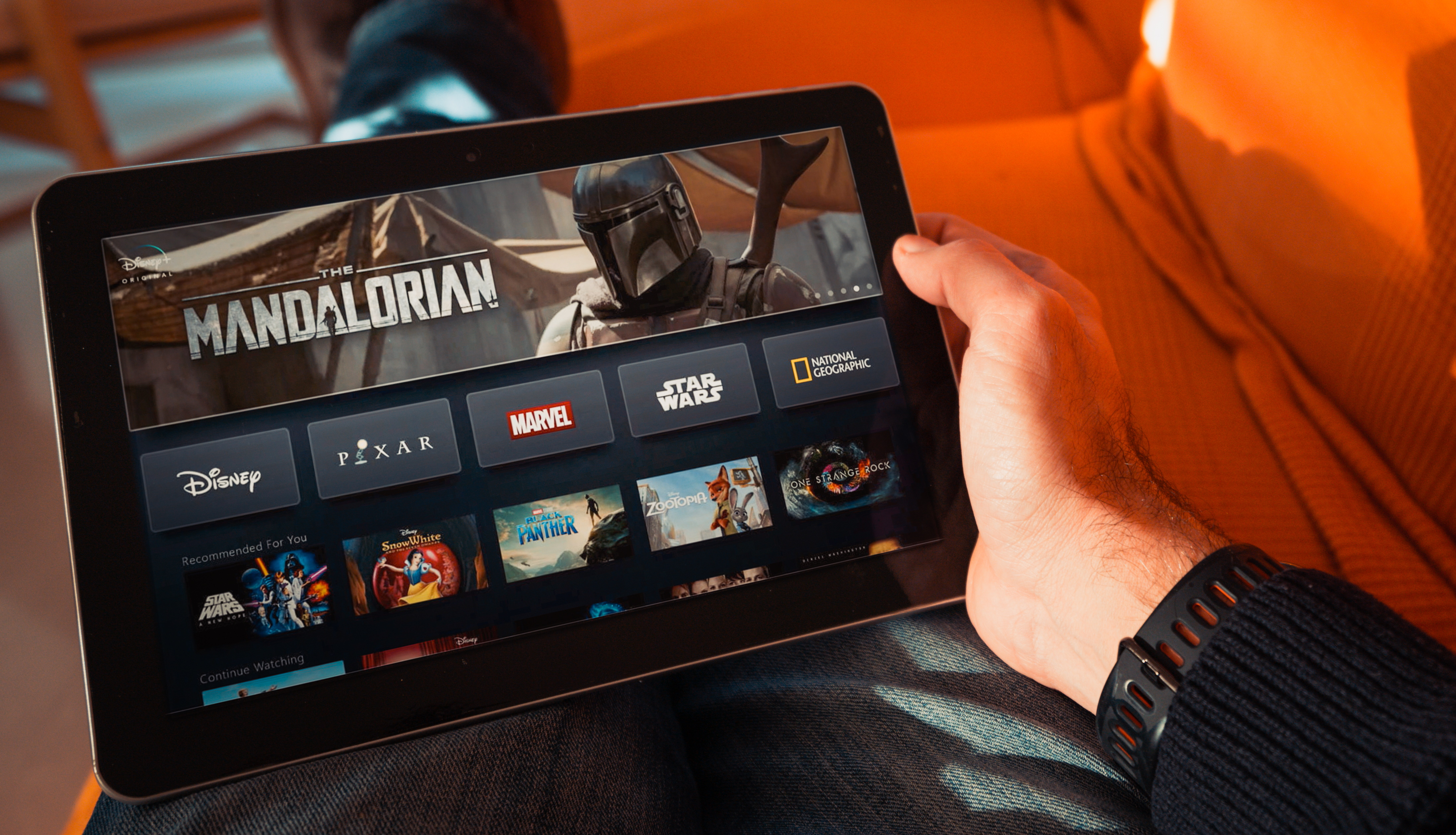 How To Watch The Mandalorian Online Stream The Star Wars Show Right Now Techradar