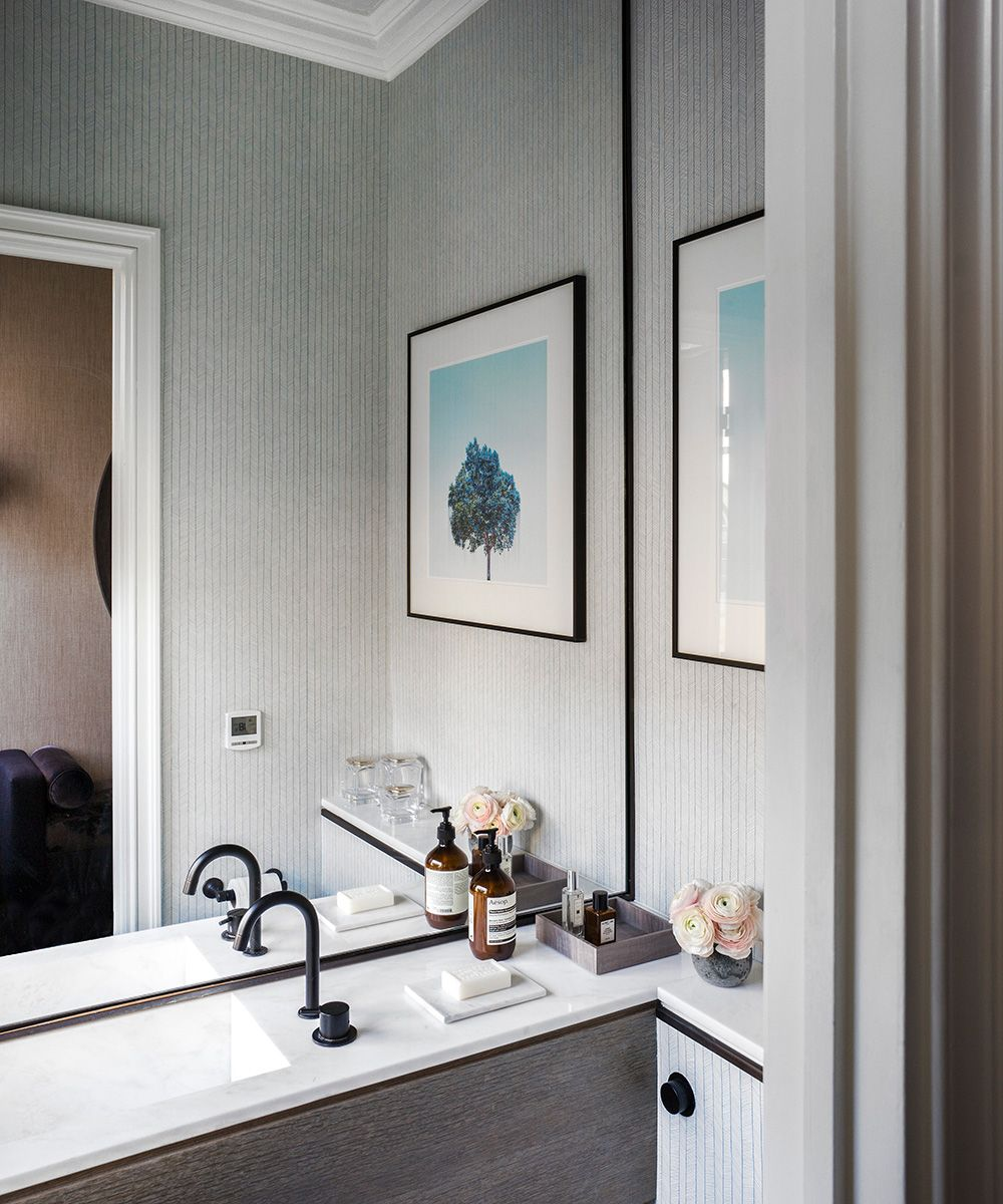 Make your bathroom feel bigger – 10 tips from interior experts
