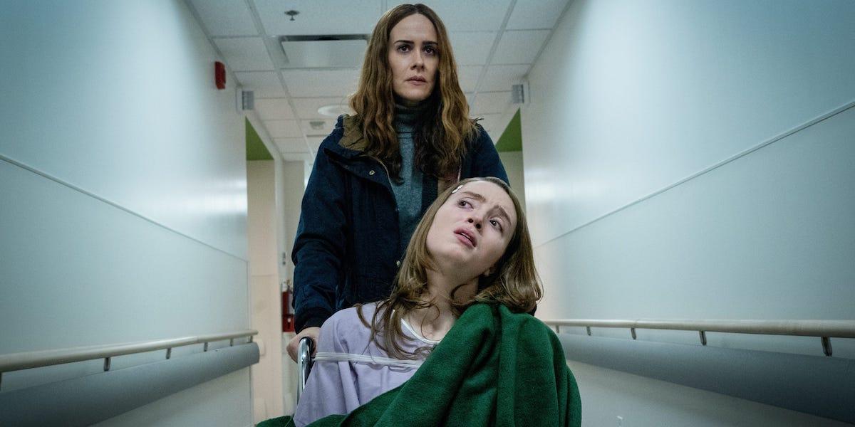 Sarah Paulson and Kiera Allen as Diana and Chloe Sherman in Run