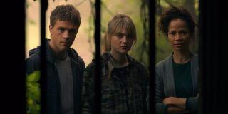 Sherri Saum, Connor Jessup, Emilia Jones in Locke and Key