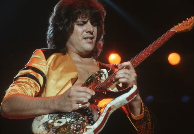 Former Yes Man Trevor Rabin Talks Favorite Guitars, Film ...