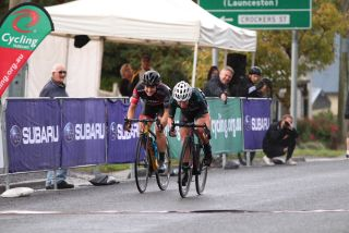Sharlotte Lucas beats Grace Brown in the sprint to claim the Oceania title