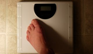 scale-weight-loss-foot-110419-02
