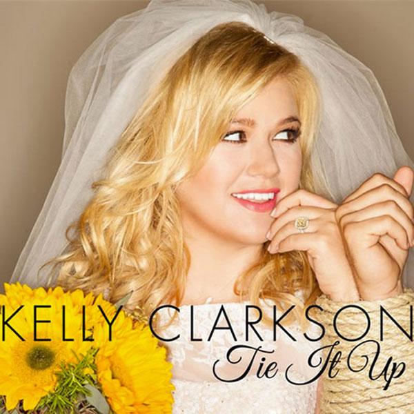Kelly Clarkson tie it up