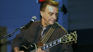 Les Paul guitarist Lou Pallo has passed away at 86