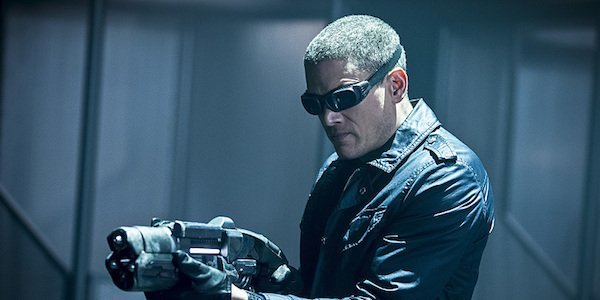 6. Villain People Loved: Captain Cold From Legends Of Tomorrow- Fans lovedCaptain Cold so much thatFlashended up turning him into an antihero. Leonard Snart started as a simple criminal, a common thief with a freeze gun as a weapon.