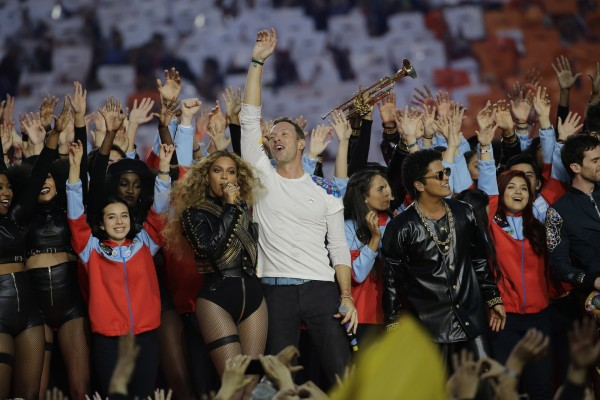 Beyonce, Coldplay singer Chris Martin and Bruno Mars perform during halftime of the NFL Super Bowl 50 football game