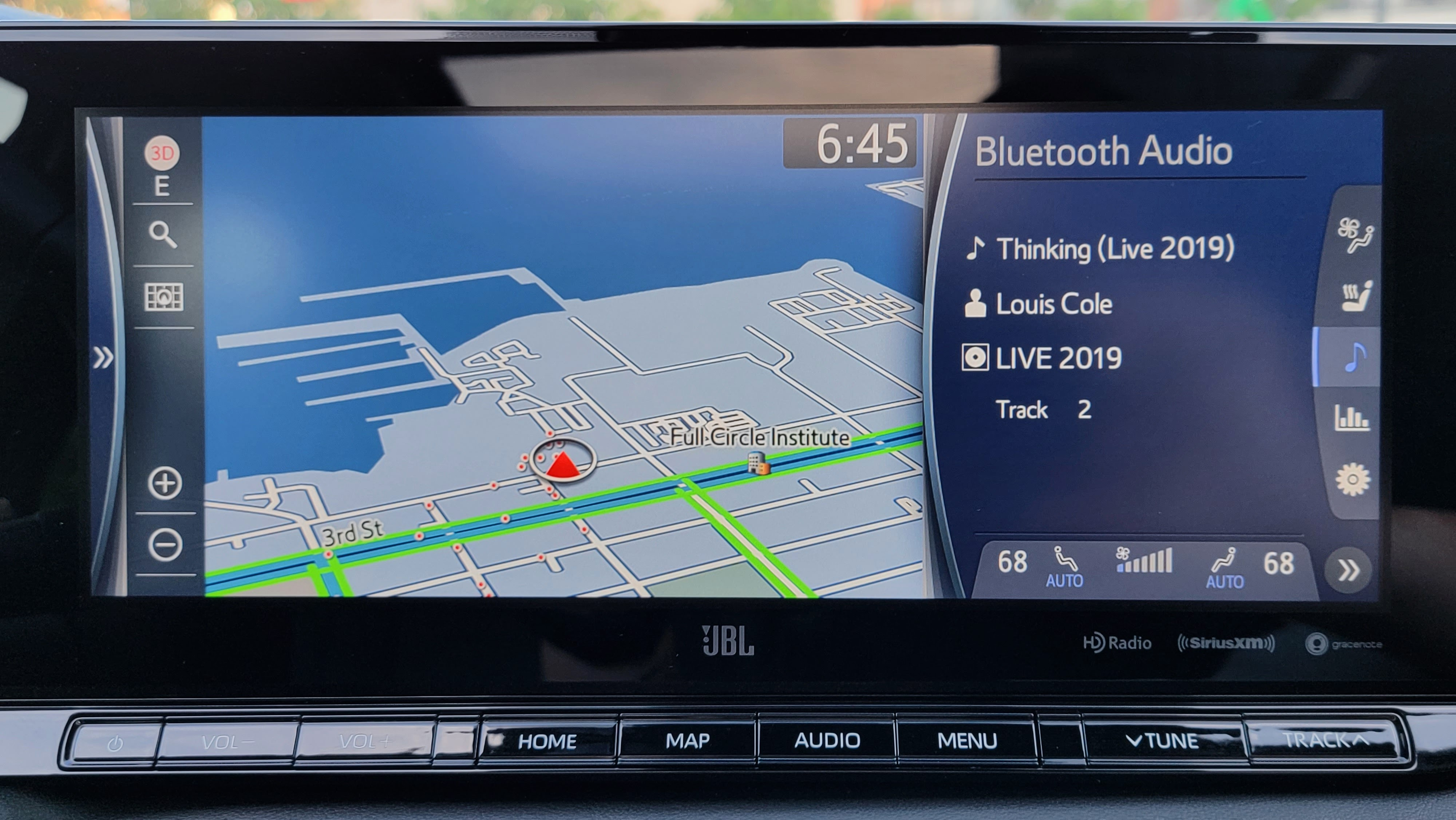 Mapping on the main screen of the Toyota Mirai (2021)