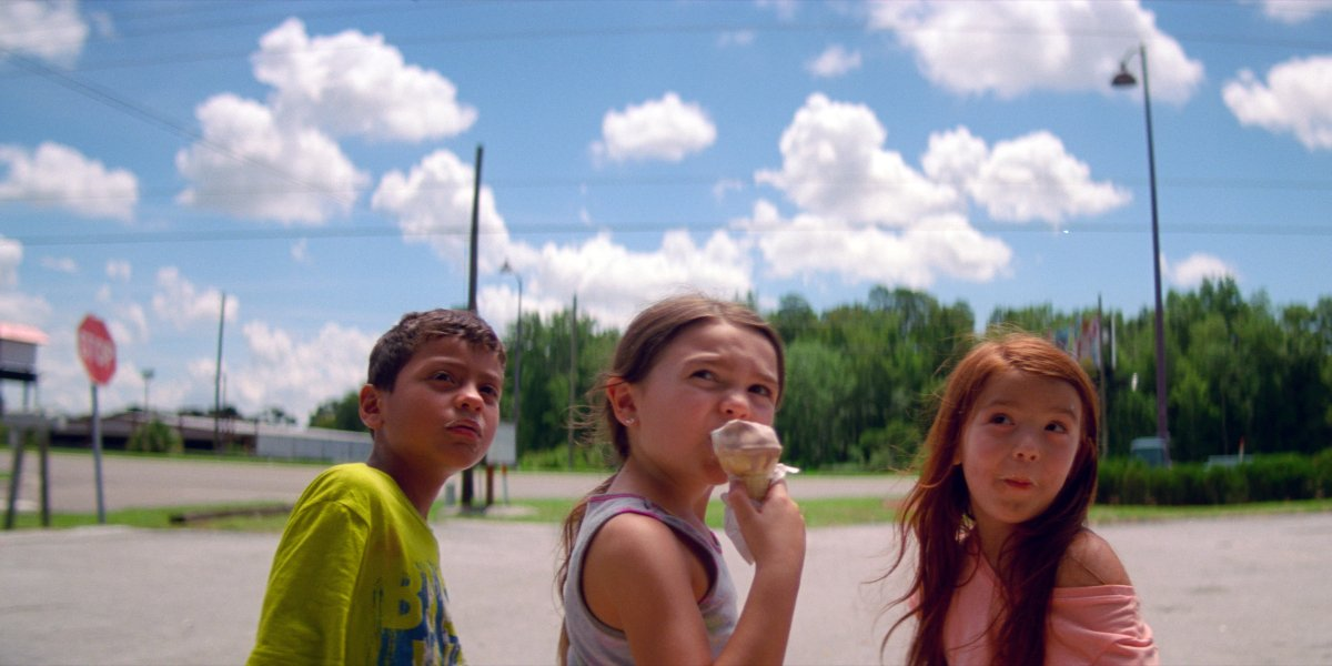 Christopher Rivera, Brooklynn Prince, and Valeria Cotto in The Florida Project