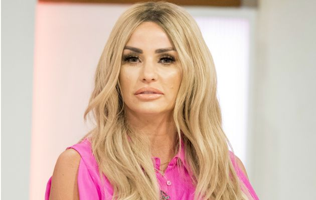 Katie Price bizarrely brings Junior on stage during tour to explain why she married Alex Reid
