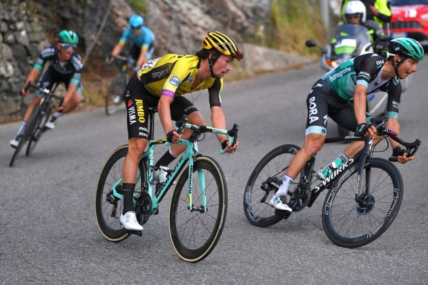 72e23706e Watch  The moment Primož Roglič crashed on the descent and lost valuable  time on stage 15 of the Giro d Italia 2019
