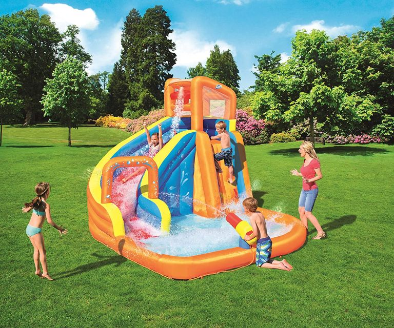 Bouncy castle paddling pool