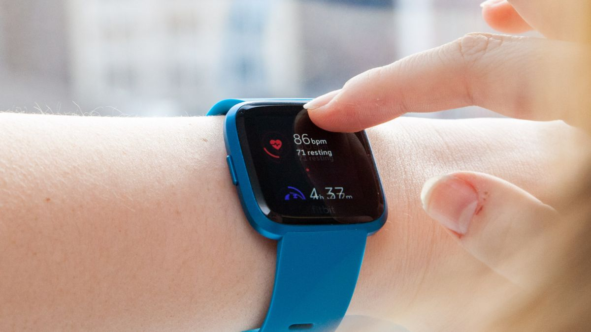 Fitbit Versa Lite Review: Stripped-Down Smartwatch Nails the Basics