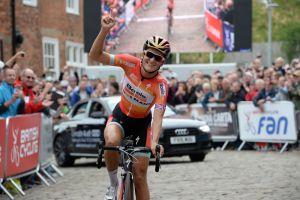 Lizzie Armitstead extends World Cup lead after Sparkassen Giro