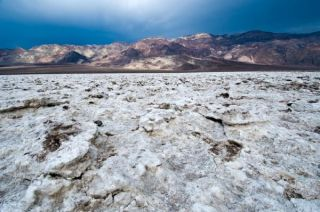 scary-death-valley-101026