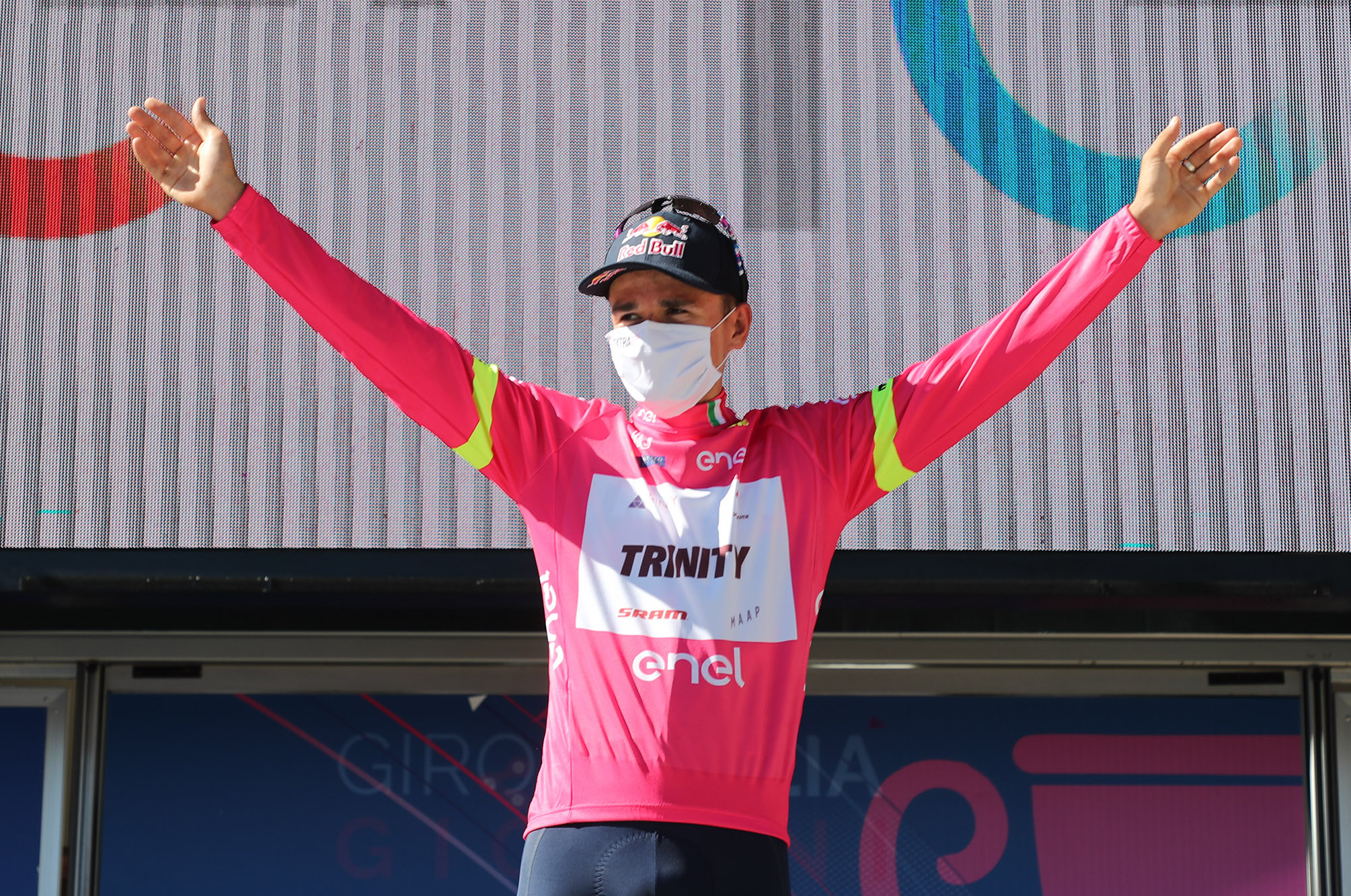 Tom Pidcock wins final stage of under-23 Giro d'Italia and wraps up the overall - Cycling Weekly