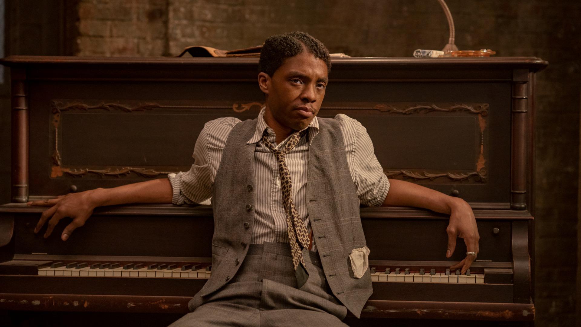 Chadwick Boseman en el culo negro de Ma Rainey