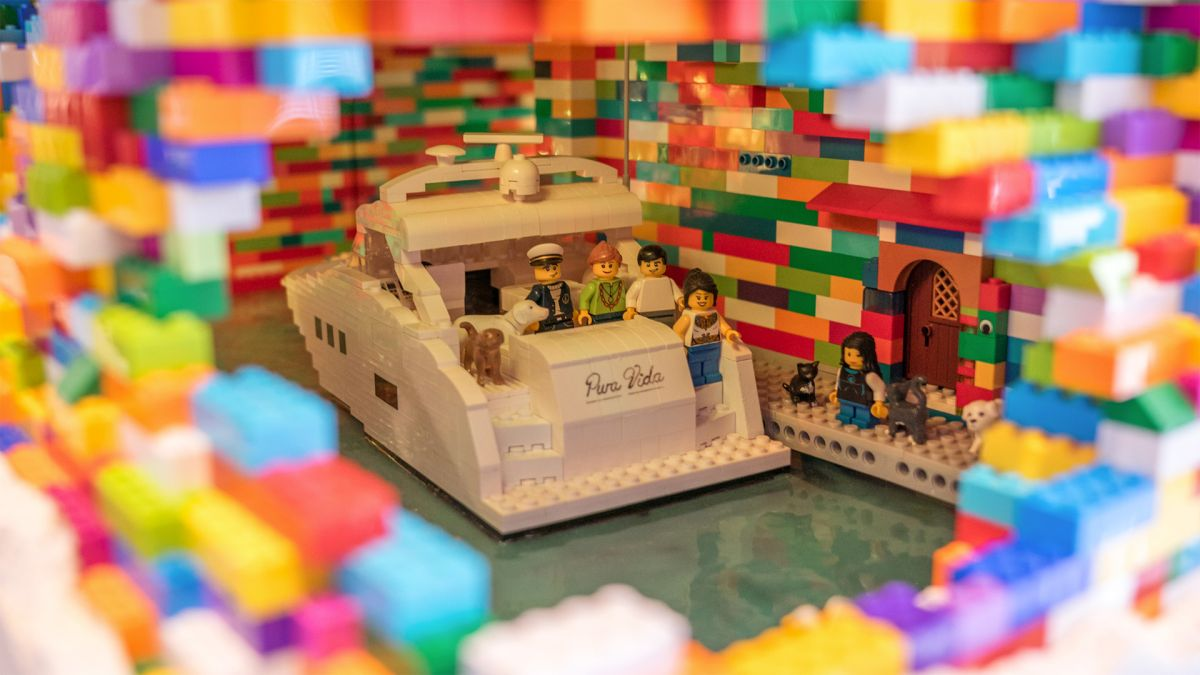 Lego Art: 40 Designs That Will Blow Your Mind: Page 2