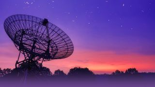 """Astronomers using the Low Frequency Array (LOFAR) in The Netherlands to observe the """"radio colors"""" of fast radio bursts."""