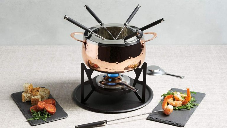 Artesa Fondue Set with Hammered Copper Finish in Gift Box