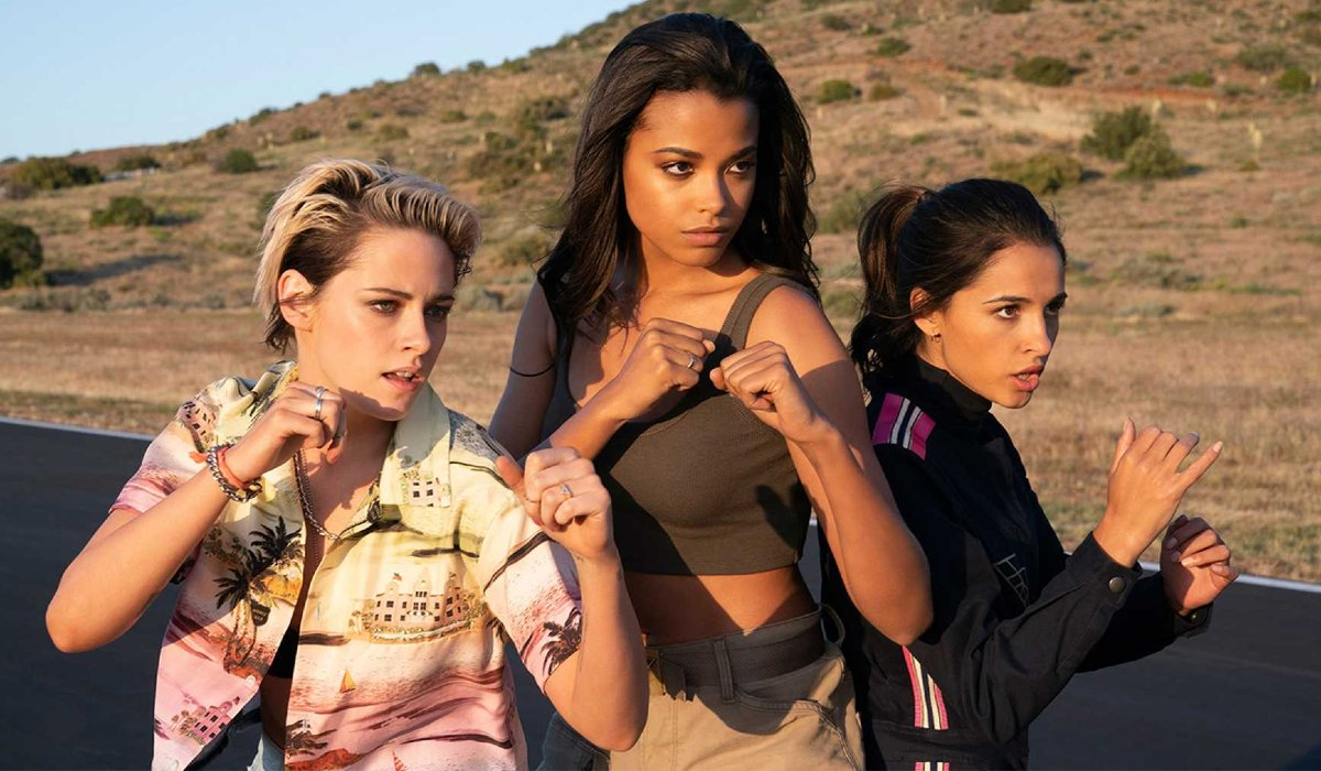 Charlie's Angels (2019) the ladies take a fighting stance outside