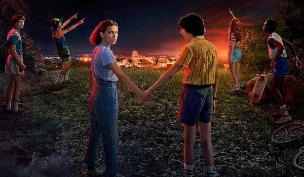 Stranger Things 3 The Hawkins kids look at the sky excitedly