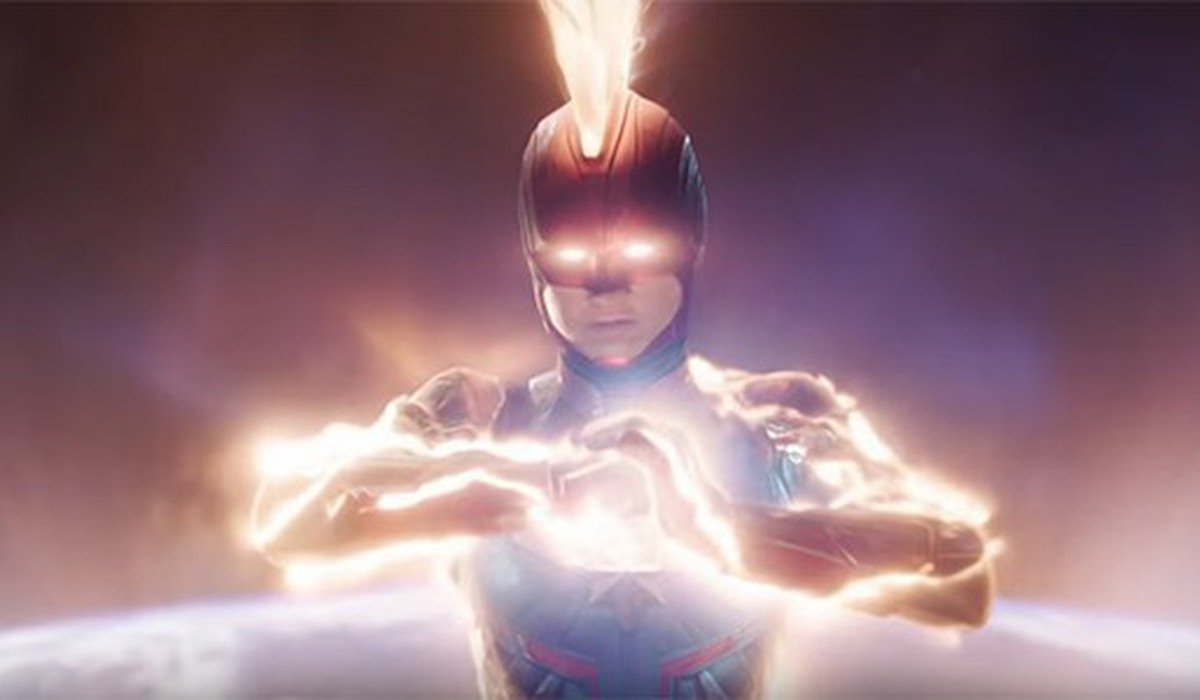 Captain Marvel in mohawk helmet in 2019 movie