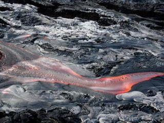 kilaeaua-lava-101202-02