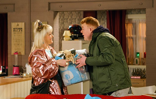 Will Beth work out what's wrong with Craig when she helps him move into the builder's flat?