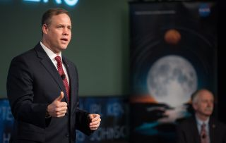 Jim Bridenstine speaks at an industry forum.