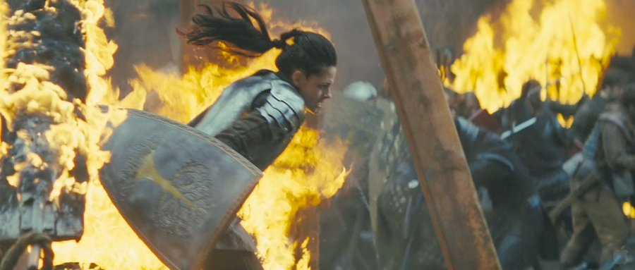 35 High-Res Screenshots From The Snow White And The Huntsman Trailer #5200