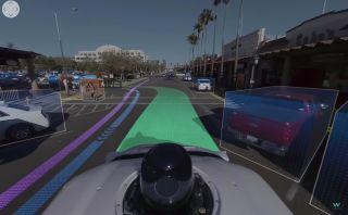 """Bu 360 derecelik video, Waymo'nun kendinden sürmeli bir otomobilinin yolun """"nasıl göründüğünü"""" gösteriyor"""