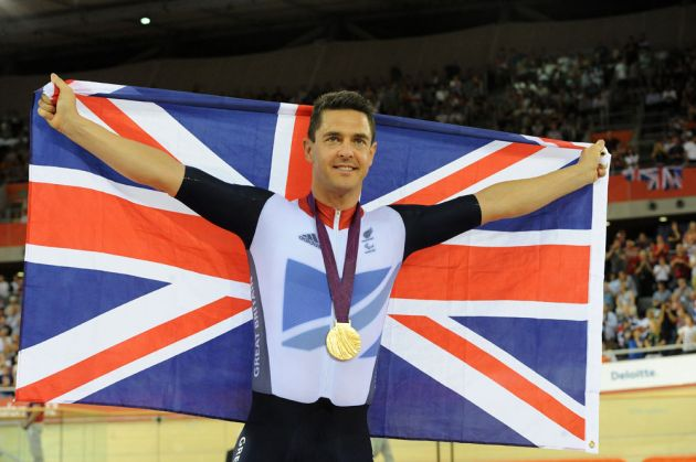 Mark Colbourne celebrates winning C1 pursuit, London 2012 Paralympic Games, track day two, afternoon