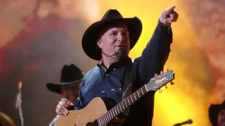 watch garth brooks grand ole opry concert online