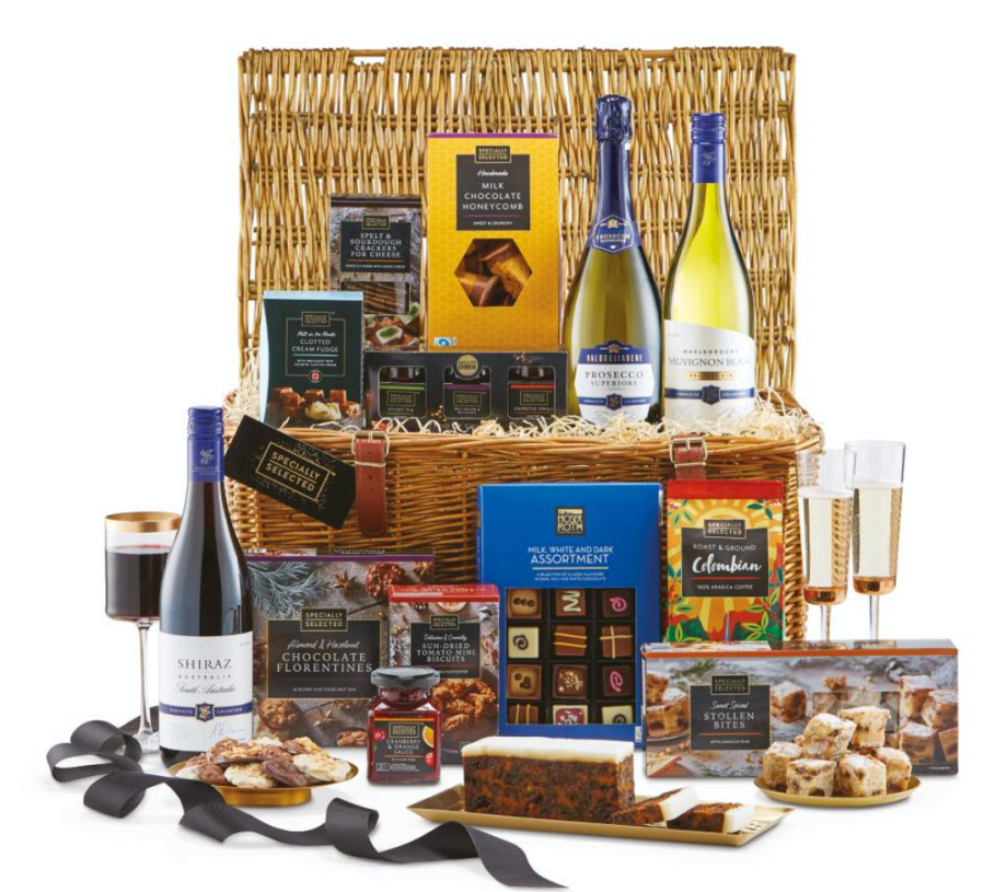 Christmas Hampers 2019.Aldi Christmas Hamper The Popular Hampers Are Back Here S