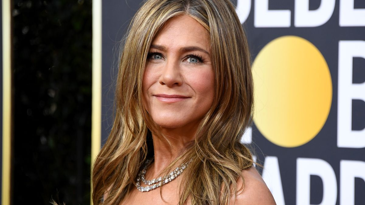 Jennifer Aniston's facialist reveals we've all been applying our serum so wrong