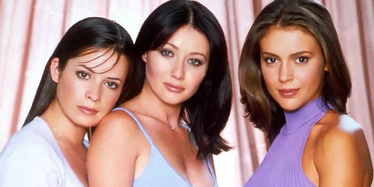 Holly Marie Combs, Alyssa Milano, and Shannen Doherty in Charmed 1998